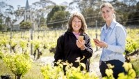 Henschke Cellars viticulturist Prue Henschke and Inca Pearce of Vinehealth Australia test out the Boundary Rider app
